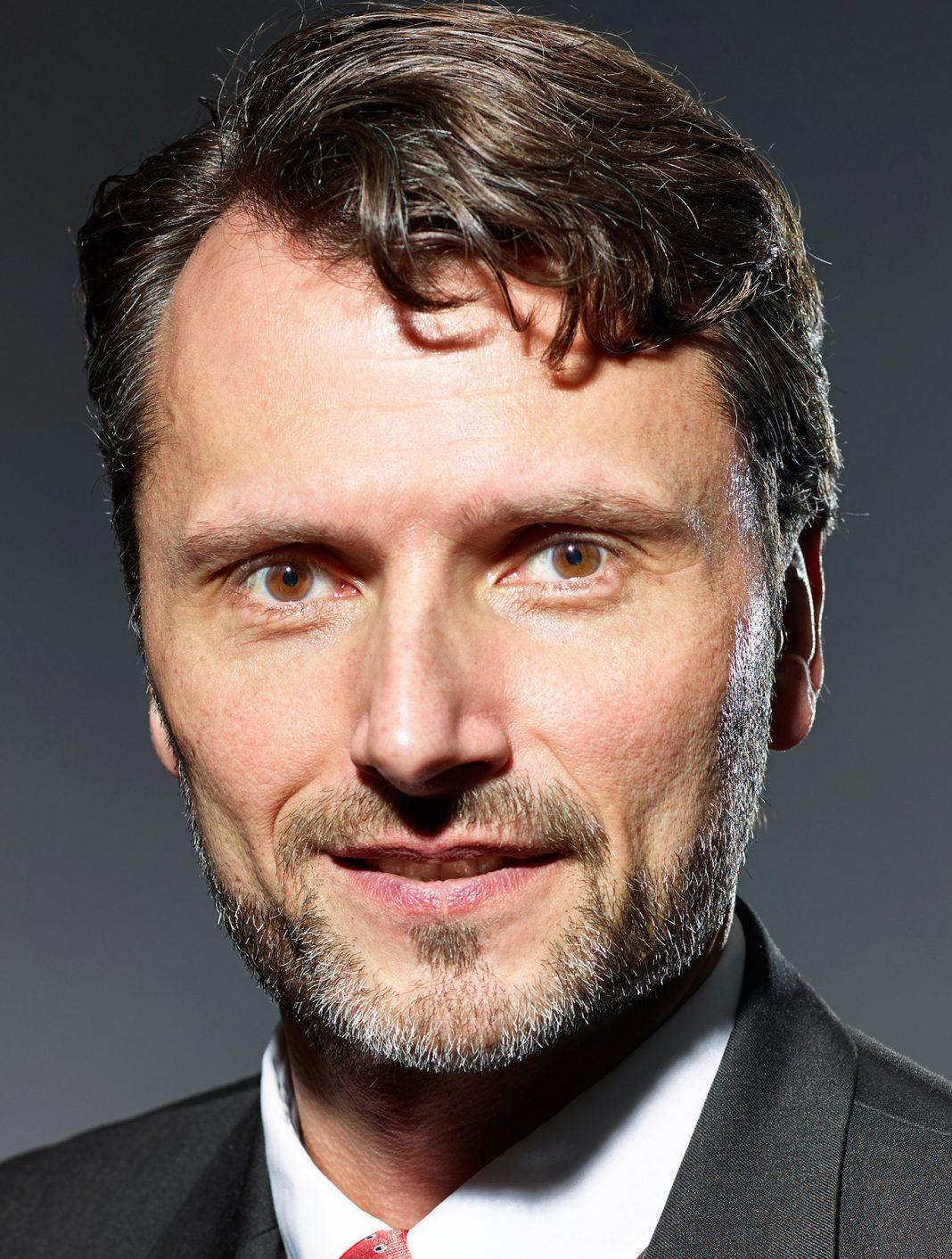 Hans Joachim Theiß, SMT Scharf AG