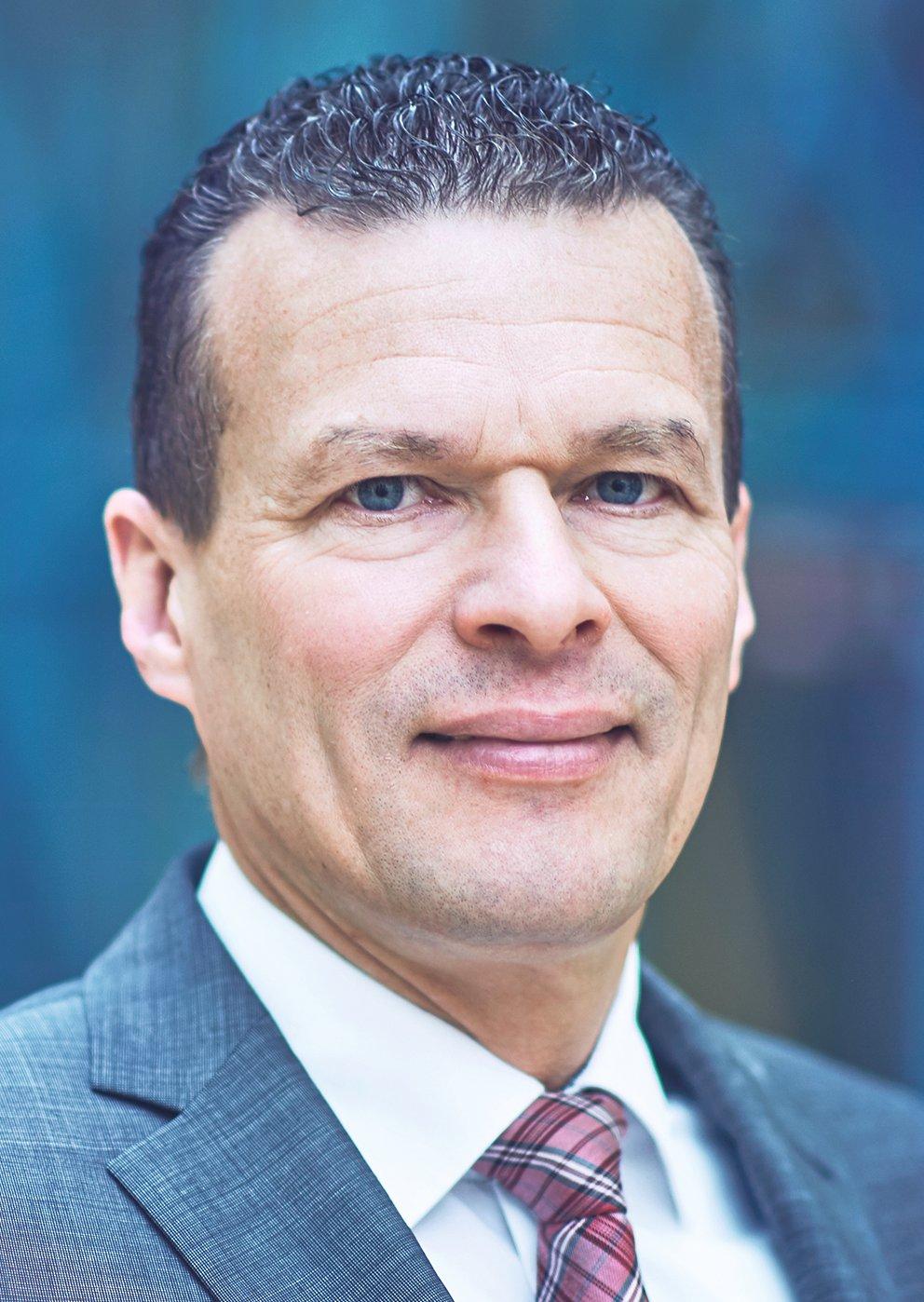 Schmitt Oliver, Instone Real Estate Group B.V.