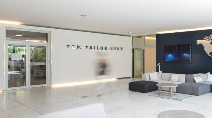 Abermaliges Aufatmen bei dem Modehaus Tom Tailor: Die krisengeplagten Hamburger konnten sich mit Großaktionär Fosun und seinen Konsortialbanken auf eine Brückenfinanzierung bis Mitte August einigen.