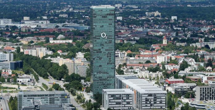 Telefónica Deutschland schließt zum zweiten Mal einen Förderkredit mit der Europäischen Investitionsbank über 450 Millionen Euro ab.