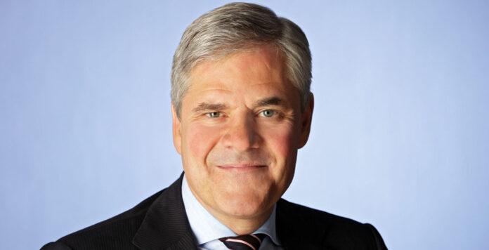Andreas Dombret erweitert seine Beratertätigkeit bei Houlihan Lokey.