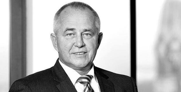MBB-CFO Anton Breitkopf hat für 2,9 Millionen Euro Aktien verkauft. Er hält immer noch Anteile am Unternehmen im Wert von 4,5 Millionen Euro.