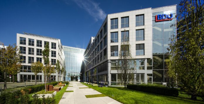 Der mittelständische Wirtschaftsprüfer BDO prüft künftig den Dax-Konzern SAP.