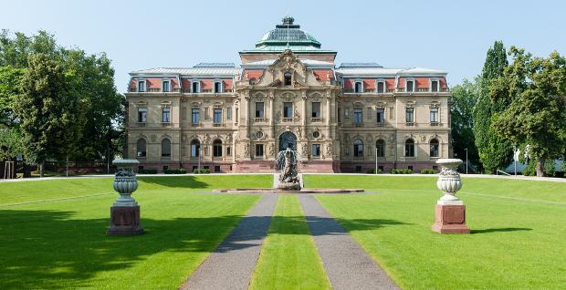Bundesgerichtshof in Karlsruhe: Das Urteil des BGH zur Zulässigkeit von Bankgebühren bei Unternehmenskrediten sorgt für Aufruhr in der Bankenszene.
