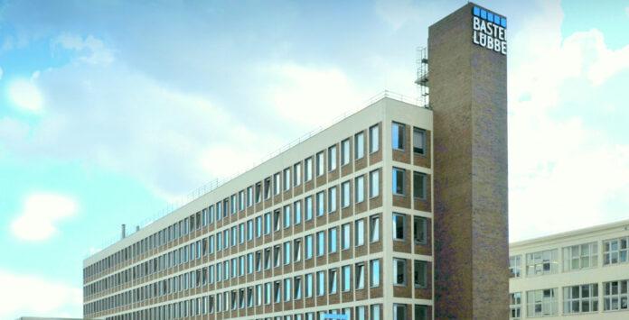 Bastei Lübbe hat wieder mit Bilanzierungsfehlern zu kämpfen. Woran liegt das?