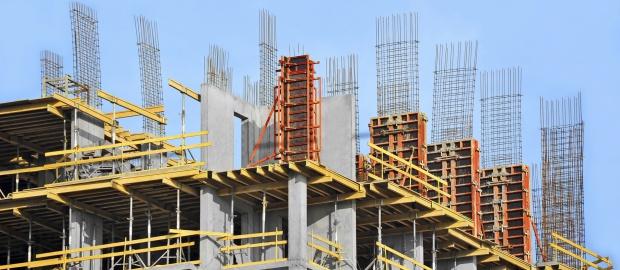 Der Baukonzern Hochtief verlängert seine milliardenschwere Kreditlinie frühzeitig.