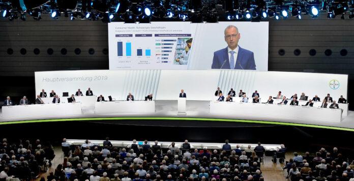 Bayer lädt in diesem Jahr zur rein virtuellen Hauptversammlung. Die Veranstaltung soll auf der Unternehmens-Website online übertragen werden.