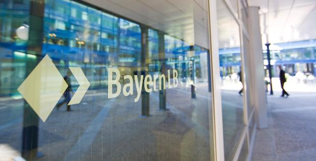 Die BayernLB hat 2016 mehr Gewinn gemacht als im Vorjahr und ist profitabler geworden. Das liegt aber nicht am Firmenkundengeschäft, wo die Bank Federn gelassen hat.