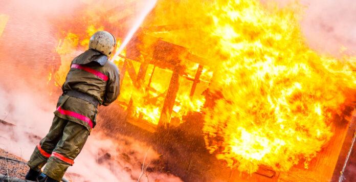 Wird bald die Feuerwehr kaltgestellt, wenn das Unternehmen brennt? Kritiker sehen schwere Mängel in den neuen Sanierungsregeln.