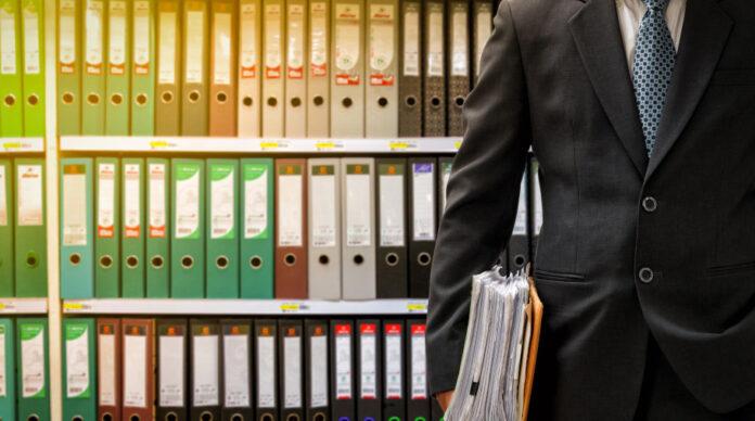 Hat sich bei der Deutschen Prüfstelle für Rechnungslegung tatsächlich nur ein Mitarbeiter um die Sonderprüfung von Wirecard gekümmert?