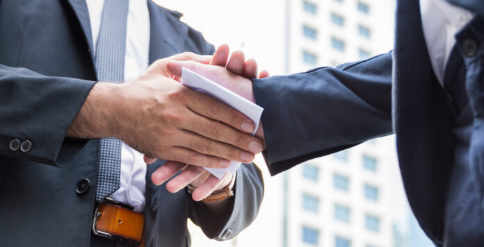 Sind die CFOs oder die CEOs die Treiber hinter Bilanztricksereien? Das sagt die CFO-Forschung.