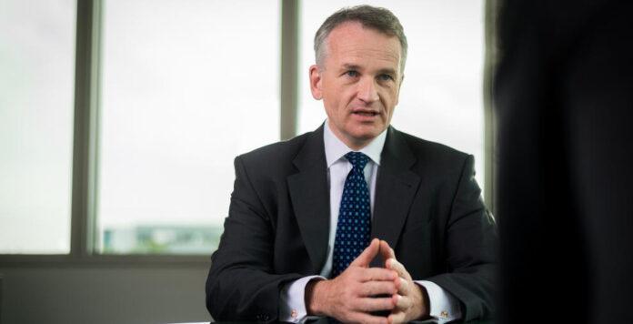 CFO Frank Herzog verlässt den Automatisierungsspezialisten Dematic. Der 51-Jährige will eine neue Herausforderung in Europa annehmen.