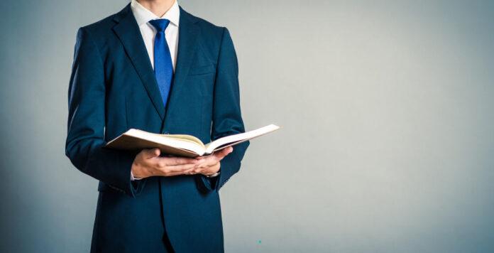 Was muss man studieren, um später CFO zu werden?