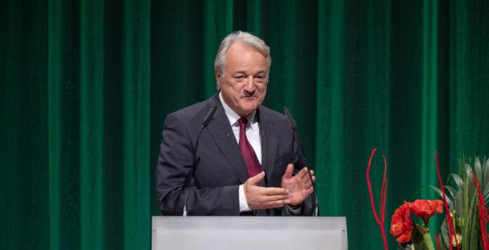 Konstantin Sauer, Finanzchef von ZF Friedrichshafen, wurde gestern Abend zum CFO des Jahres 2018 gekürt.