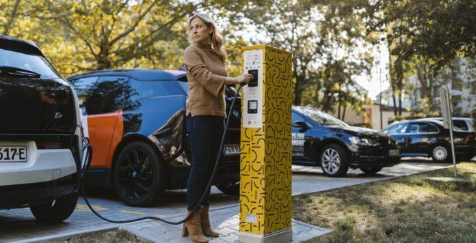 Compleo, ein Hersteller für E-Auto Ladesäulen, hat sich neues Geld geholt.