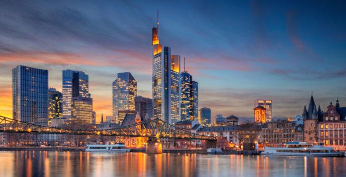 Die Ertragskraft der deutschen Banken ist schwach und davon profitieren die US-Banken auch im hiesigen Firmenkundengeschäft.