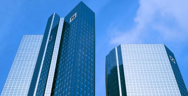 Schwarzer Freitag für die Deutsche Bank: Die Aktie fällt unter 10 Euro.