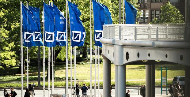 Die Deutsche Bank siedelt die Fintech-Strategie zentral bei den einzelnen Geschäftsbereichen an. Parallel wird in drei Innovation-Labs geforscht.
