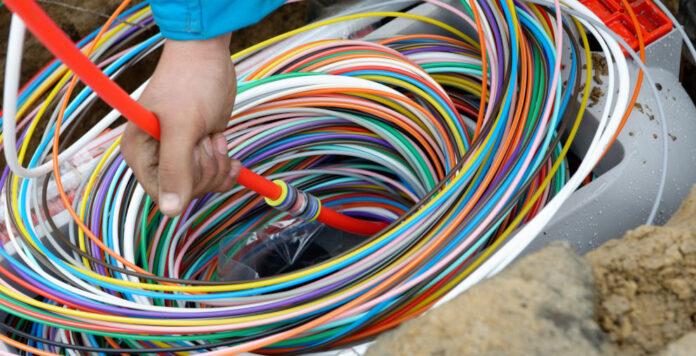 EQT und Omers übernehmen die Deutsche Glasfaser und fusionieren sie mit Wettbewerber Inexio.