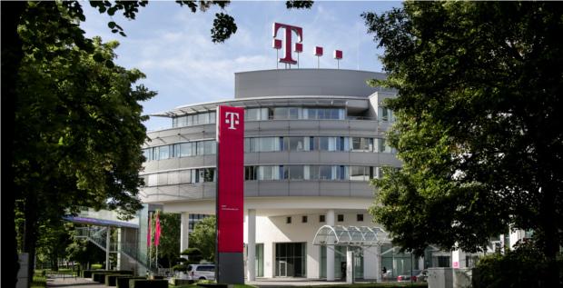 """Deutsche Telekom erwartet """"wesentliche Auswirkungen"""" auf ihre Bilanzkennzahlen durch die Anwendung von IFRS 15. Konkrete Zahlen nannte der Dax-Konzern bisher aber noch nicht."""