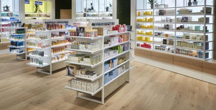 Die Parfümeriekette Douglas wechselt den Finanzchef: Matthias Born kommt von CBR Fashion und ersetzt Michael Rauch.