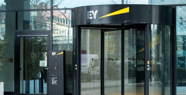 Ernst & Young zieht nach und verstärkt mit dem Kauf von Innovalue das Beratungsgeschäft.