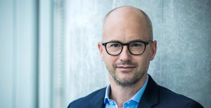 Telefónica Deutschland war eines der Unternehmen, die in diesem Jahr die Hauptversammlung virtuell abgehalten haben. CFO Markus Rolle spricht mit FINANCE über diese Erfahrung.