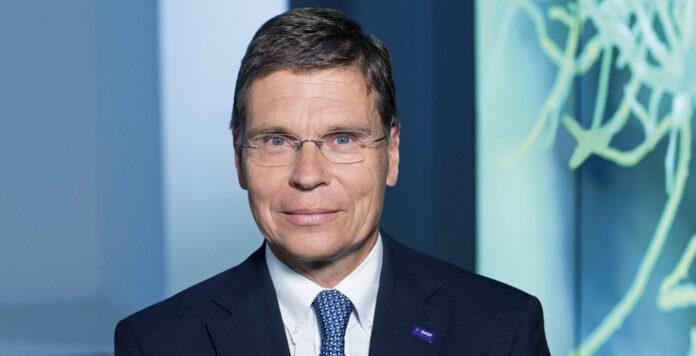 BASF-CFO Hans-Ulrich Engel hat 2017 über 7 Millionen Euro verdient. Sein Gehalt hat sich im Vergleich zu 2016 mehr als verdreifacht.