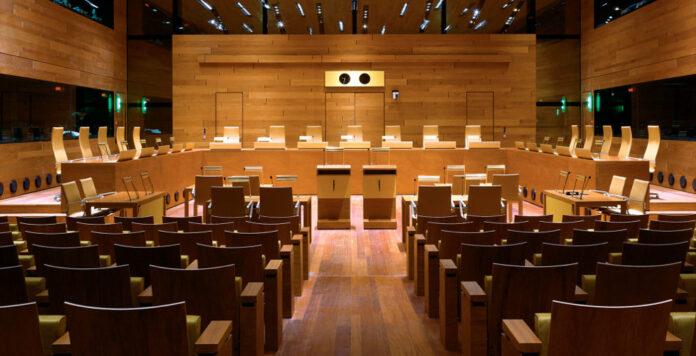 Sitzungssaal des Europäischen Gerichtshofs: Die Kanzlei Hogan Lovells erstreitet ein Urteil, das die Sanierungsklausel im deutschen Steuerrecht rettet.