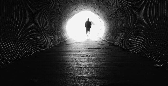 Unternehmen sehen wieder Licht am Ende des Tunnels beim Thema M&A. Nur, wie lang der Tunnel noch ist, weiß keiner so genau.