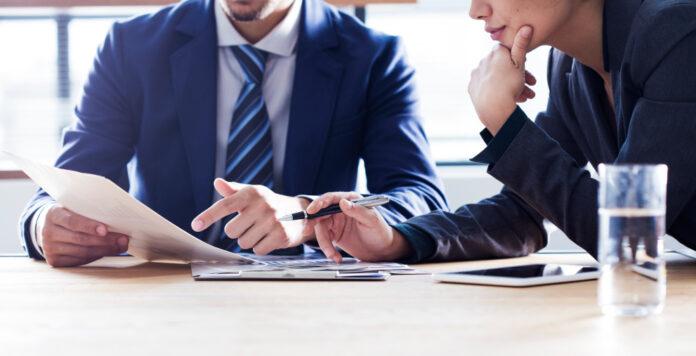 Wenn die Berater für Financial und Commercial Due Diligence sich austauschen, können Synergien enstehen.