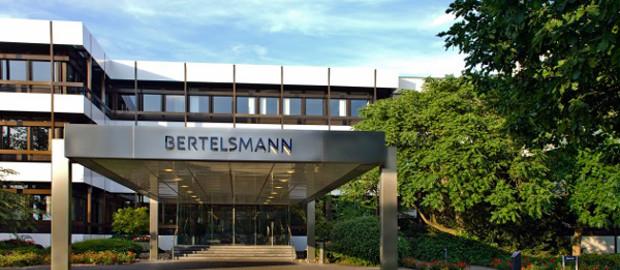 Der neue Bertelsmann-CFO Bernd Hirsch kann sich freuen. Seine erste Anleihe für den Medienkonzern hat einen besonders niedrigen Kupon.