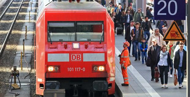 Die Deutsche Bahn hat eine Anleihe über 300 Millionen Britische Pfund platziert.