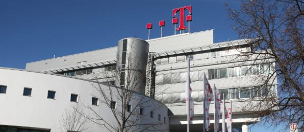 Die Deutsche Telekom hat eine Benchmarkanleihe mit einem Milliardenvolumen platziert.