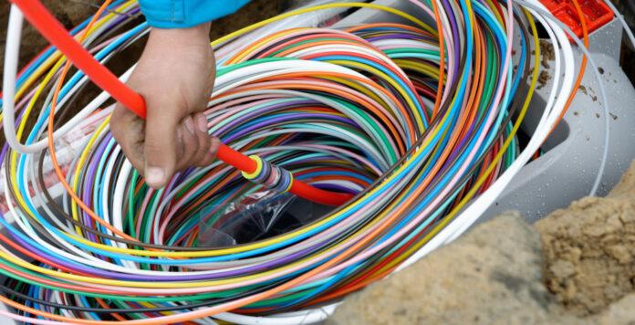 Der Telekommunikationskonzern Deutsche Glasfaser hat seinen Finanzierungsrahmen erweitert.