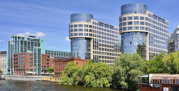 Das Berliner Wohnungsbauunternehmen Gewobag schließt sich dem Schuldschein-Boom an uns sammelt 147 Millionen Euro ein.