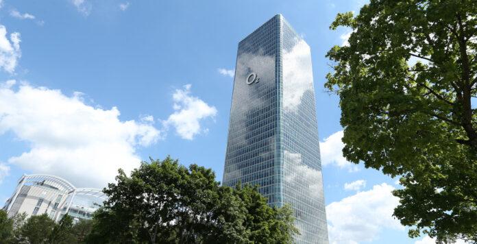 Der Telekommunikationskonzern Telefónica Deutschland hat einen nachhaltigen Kredit abgeschlossen.