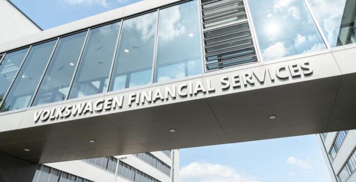 Volkswagen Financial Services hat neue Bonds über insgesamt 2,15 Milliarden Euro platziert.