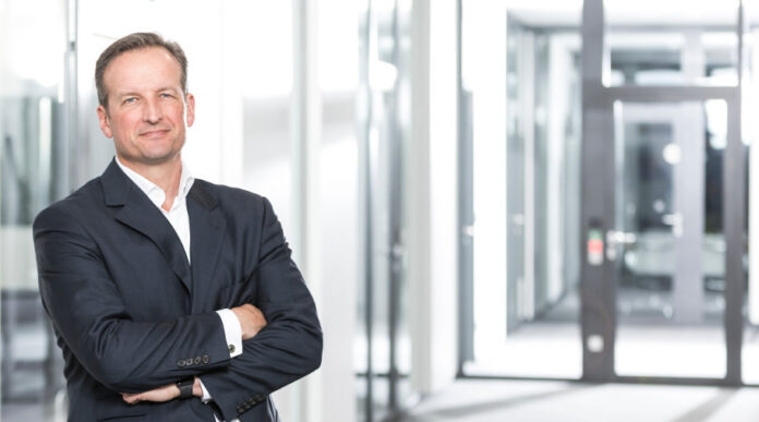 Die standardisierte Überweisung ist für Banken kaum noch lukrativ, sagt Martin Korbmacher, Aufsichtsrat der Fintech Group.