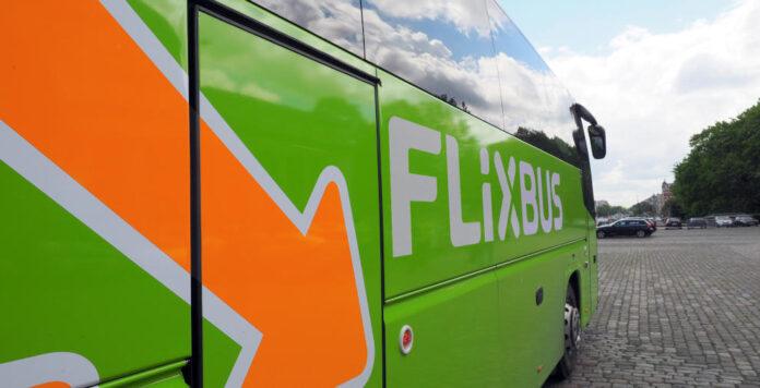 Flixbus sammelt in einer Finanzierungsrunde 500 Millionen Euro ein und schreibt damit einen Rekord.
