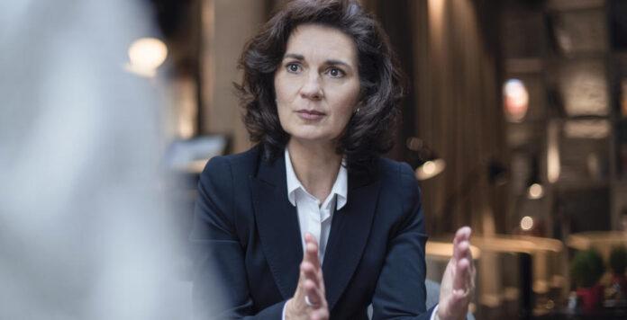 Evelyne Freitag ist CFO von Sanofi Aventis in Deutschland und selbst als Aufsichtsrätin aktiv.