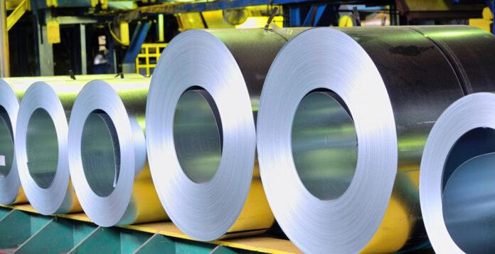 Die Aktie des Stahlhändlers Klöckner hat in diesem Jahr an Wert verloren, jetzt deckt sich ein Großaktionär am Markt ein.