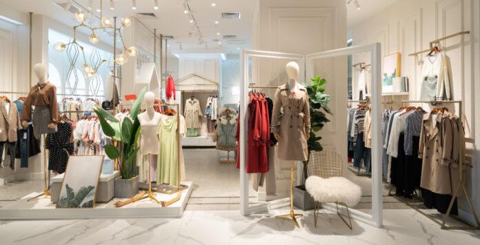Der Modehandel ist wegen der Corona-Pandemie unter Druck. Gerry Weber sichert sich deshalb nun frisches Cash.
