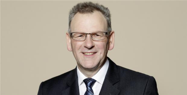 Dietmar Heinrich wird neuer CFO von Schaeffler. Er muss die Aktie aus ihrem Tief holen.