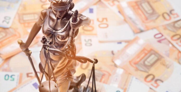 Lassen sich Anwaltskosten pauschal vergüten? In der Branche ist eine kontroverse Diskussion um einen Vergütungskodex entfacht.