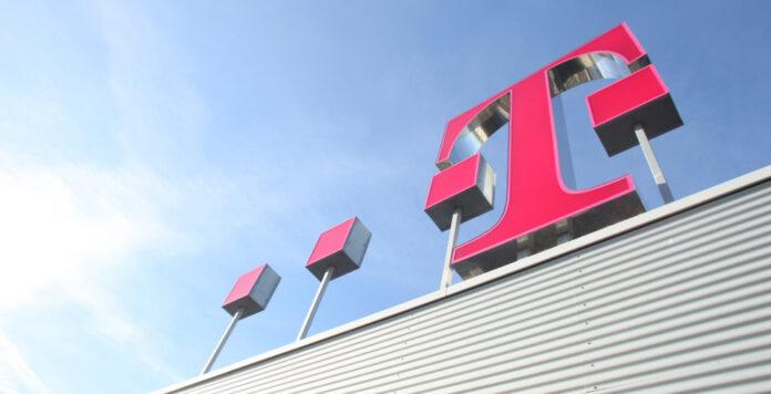 Die Deutsche Telekom hat aktuell die höchsten außerbilanziellen Leasingverpflichtungen und wird daher wegen des neuen Leasingstandards IFRS 16 hohe Schulden auf die Bilanz nehmen müssen. Doch auch anderen Unternehmen bereitet der Standard Kopfzerbrechen.