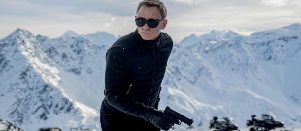 Die Deutsche Army trifft mit dem Heckler & Koch-Gewehr kein Scheunentor, James Bond vertraut in seinem neuen Kinofilm