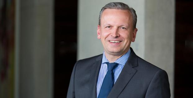 Thomas Jessulat wird CFO bei ElringKlinger. Der Automobilzulieferer richtet ein eigenständiges Finanzressort ein.