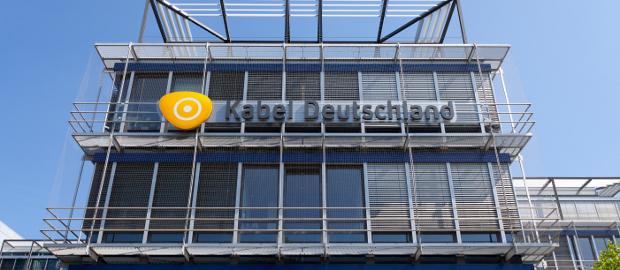 Der aktivistische Hauptaktionär Elliot setzt das Management von Kabel Deutschland unter Druck und will den Kaufpreis in die Höhe treiben.