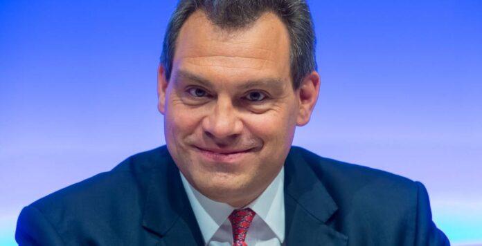 Hochtief-CFO Peter Sassenfeld kam 2017 auf ein Gehalt von 3,8 Millionen Euro.